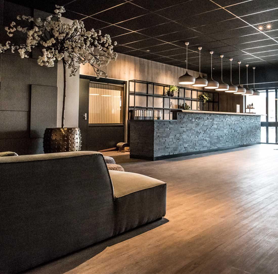 Interieur-Ontwerp_Hospitality_Hotel_Hoogeveen_Inrichting_Ontvangstruimte_Receptie__01