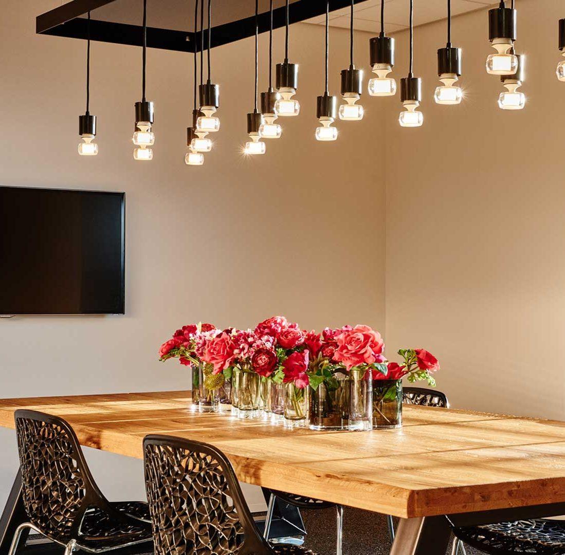 Interieur-Ontwerp_Office_Sealteq_Stadskanaal_Treetable_Pedants_Hanglampen__02