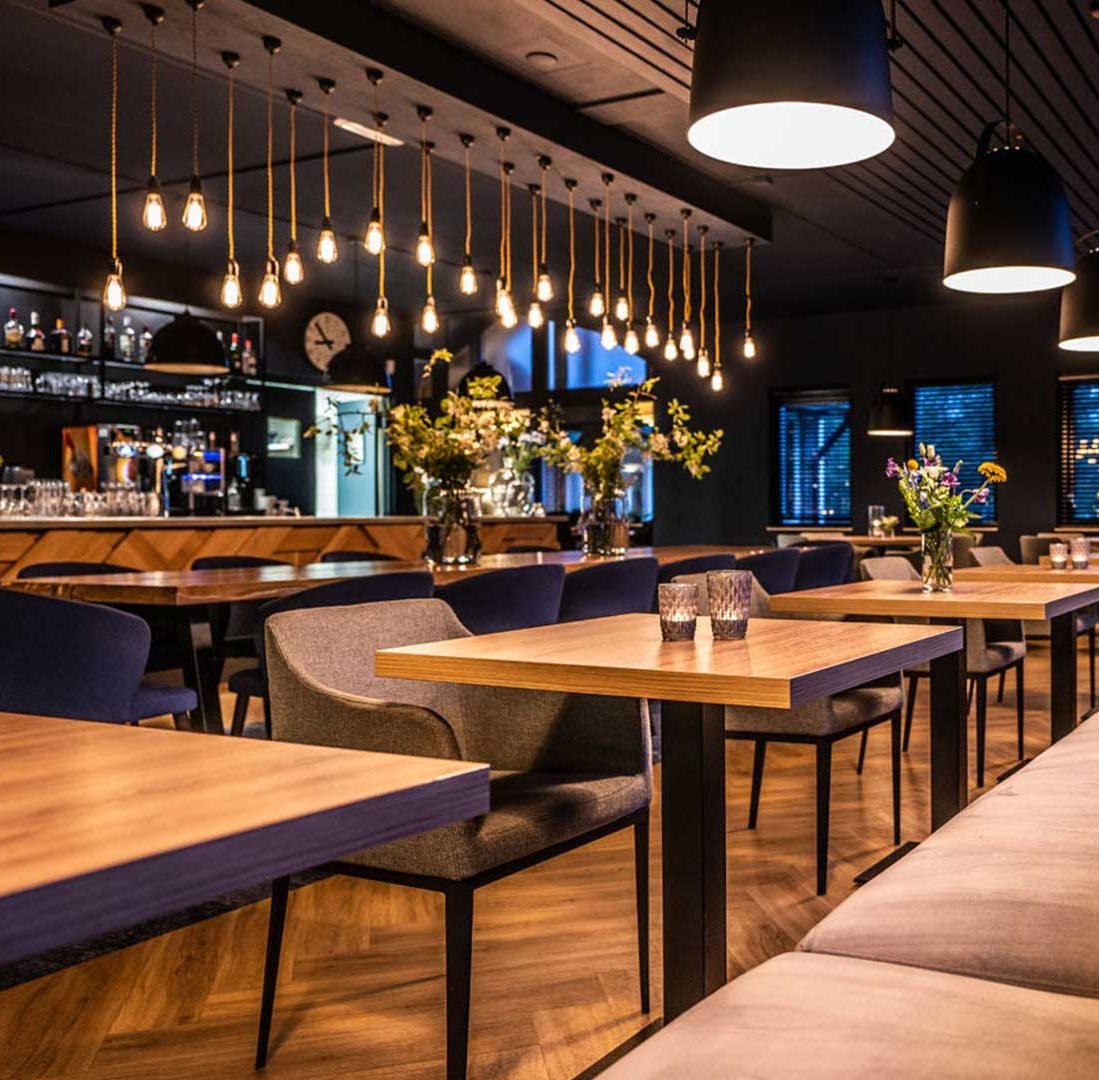 Interieur-Ontwerp_Restaurants_Golfclub_Havelte_Zitbank__01 (1)