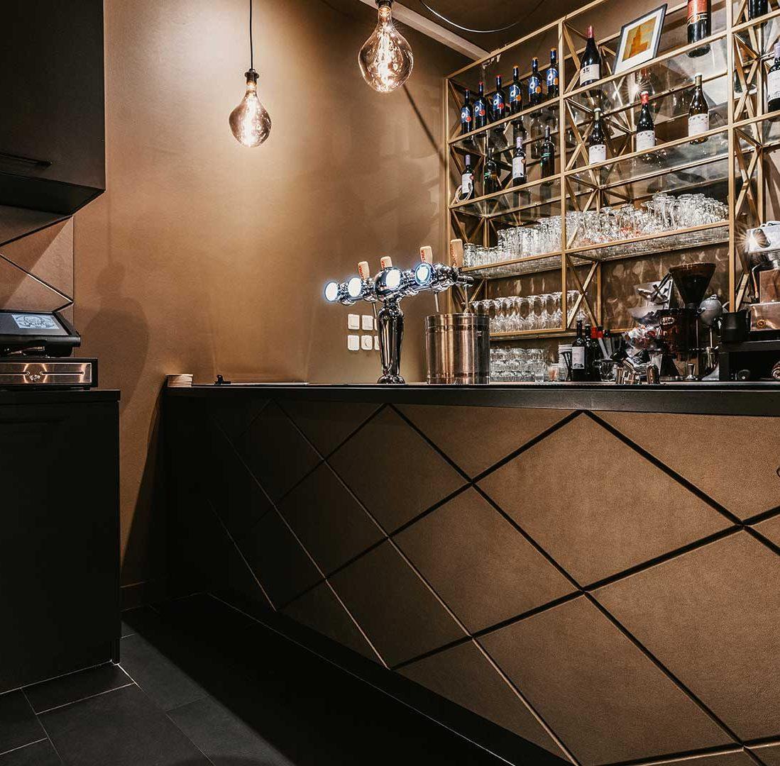 Interieur-Ontwerp_Restaurants_Grieks_Taverna_Groningen_Maatwerk_Kasten_Zwart_Staal_Bar__06